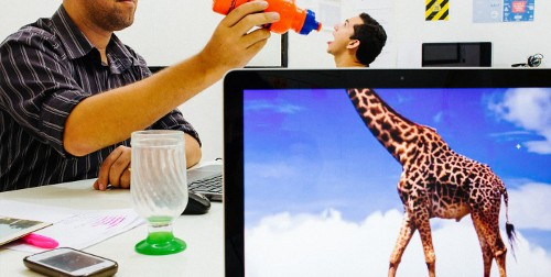 IMAGE : Desk Safari Girafe